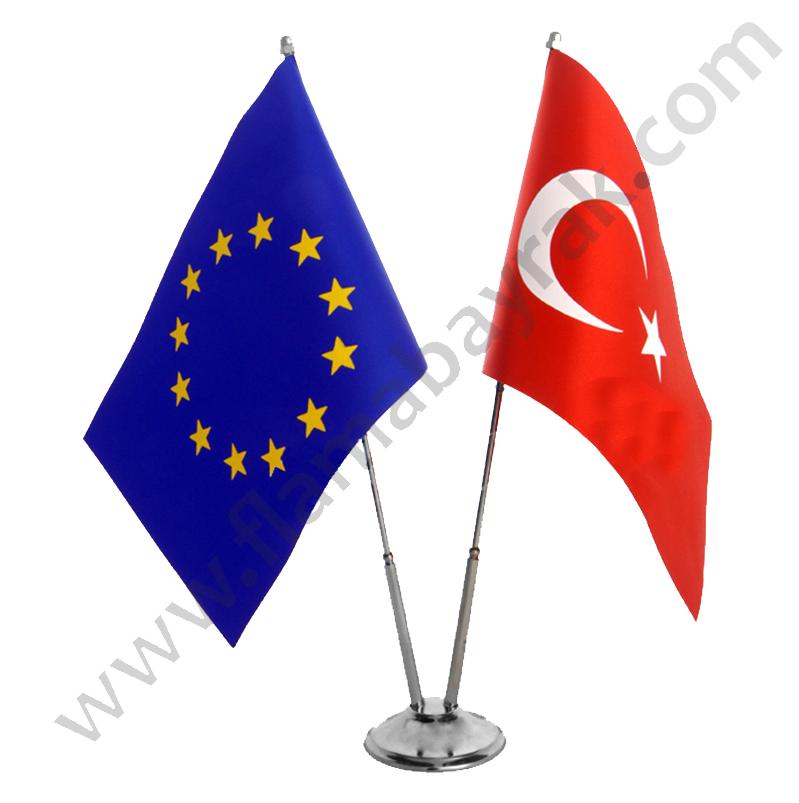 ikilii masa turk bayragi2 Masa Bayrağı