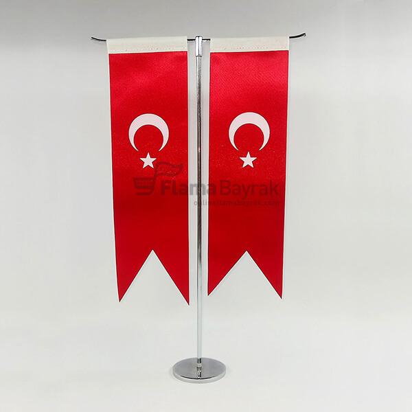 T Direkli Kirlangic Turk Masa Bayragi Türk Bayrağı