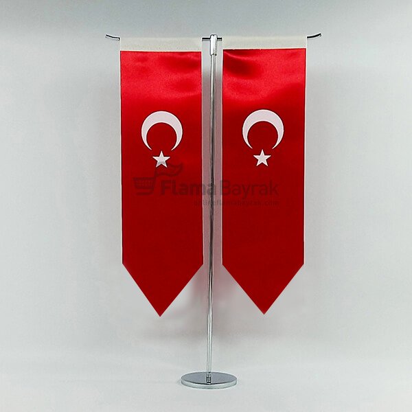 T Direkli Sivri Uc Turk Masa Bayragi Türk Bayrağı
